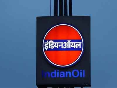 Adani, IOC, HPCL, BPCL in fray for city gas licence; govt gets 400 bids