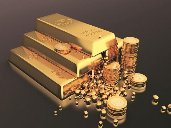 Gold price today at Rs 54,000 per 10 gm, silver tumbles to Rs 60,600 a kg